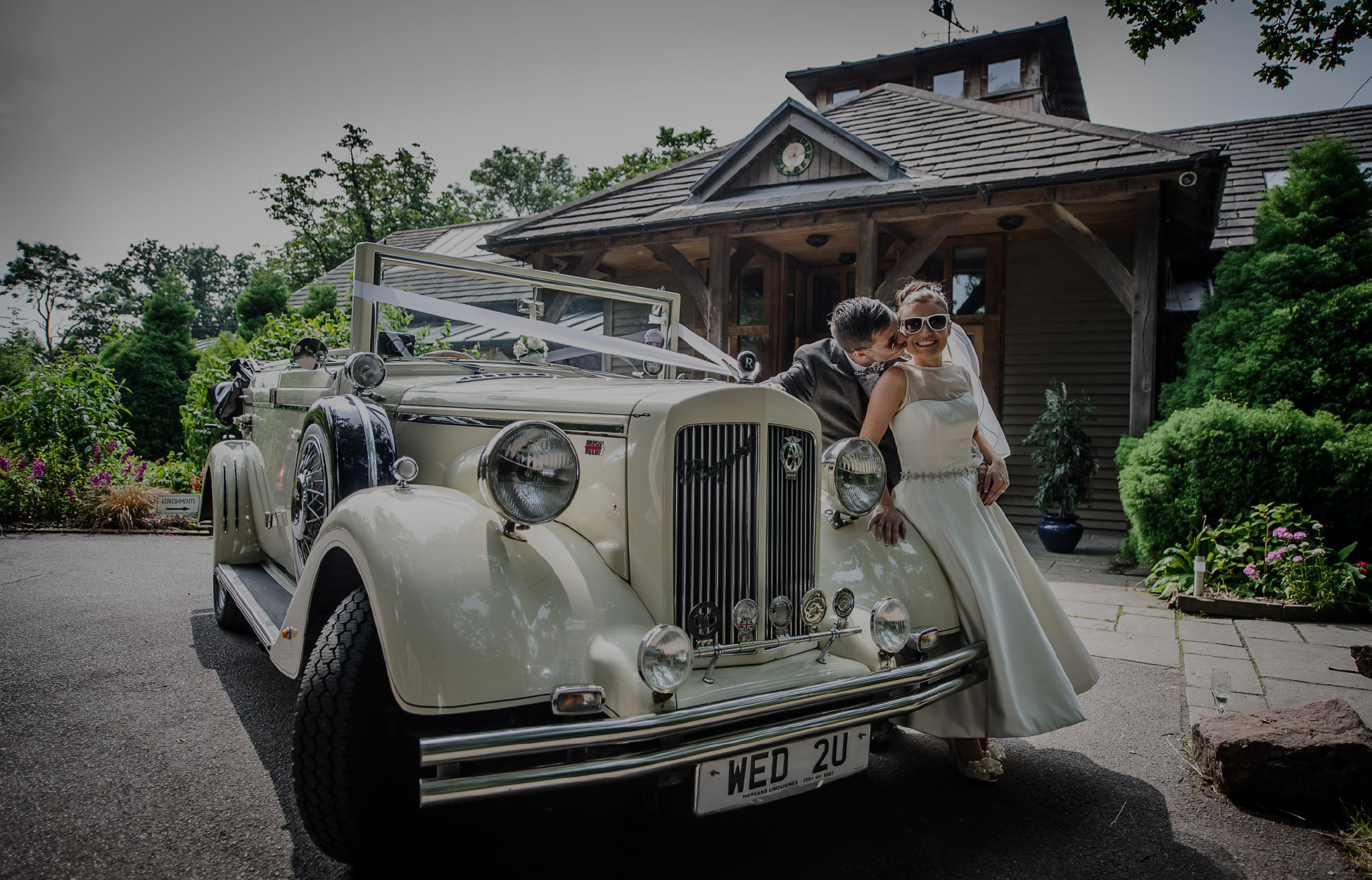 Weddings in Cheshire | The Oak Tree of Peover